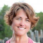 Jacci Reynolds yoga teacher trainer